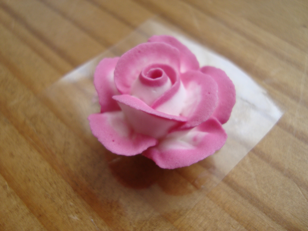 Cake Decorated With Piped Roses : Classes and tutorials Cooking, Cakes & Children
