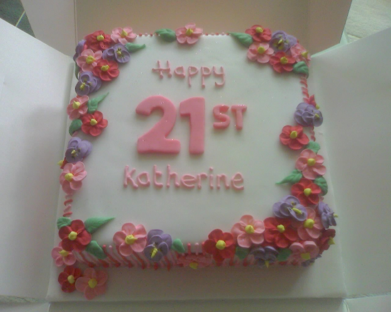 Cake Decorating Icing For Flowers : Royal Icing flowers Cooking, Cakes & Children