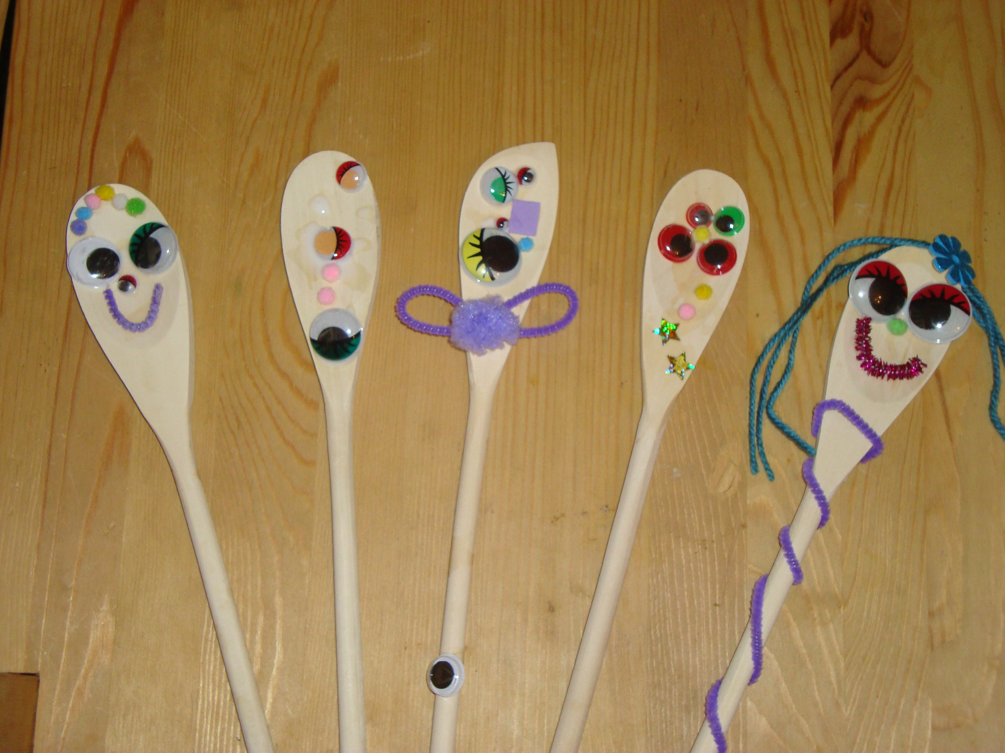 spoon people cooking cakes children